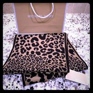 ✨ Brand New Michael Kors Leopard Scarf ✨
